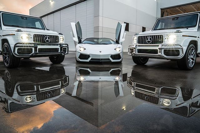 $1M worth of cars in one shot. Taken during our photoshoot last week with @lacscottsdale. These guys were kind enough to bring out some amazing vehicles for our shoot which made all the difference. —————————————— #lamborghini #lamborghiniaventador #gwagon #mercedes_amg #sonyalpha #a7riii #lacscottsdale