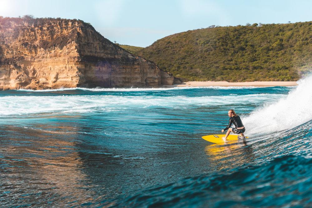 Will Nelson surfing Outside Ekas