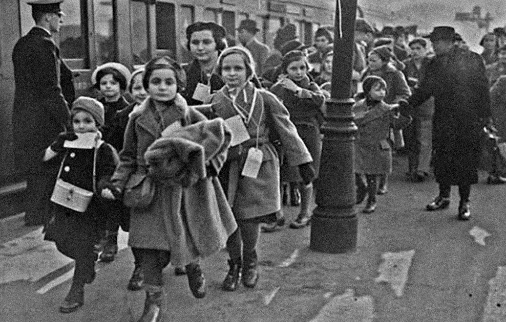 into-the-arms-of-strangers-stories-of-the-kindertransport-ss2.jpg