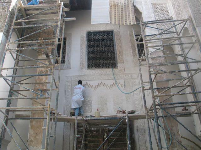 Travaux de restauration  - le travail du stuc