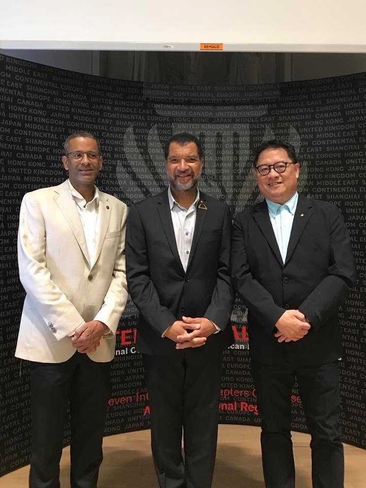 (L-R) Thierry Paret, FAIA; Bill Bates, FAIA (AIA National President); Yew Kee Cheong, AIA (Singapore Conference Organizer)