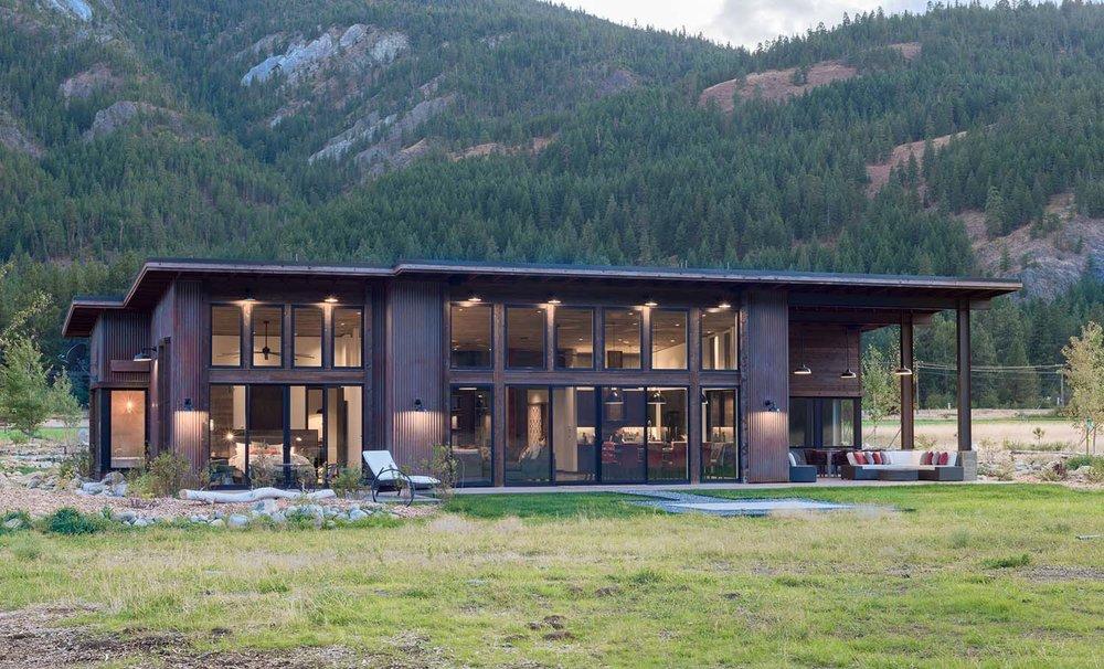 WEB4-+Mazama+House+-+Designs+Northwest+Architects+-+Swift+Studio+-+2048px.jpg