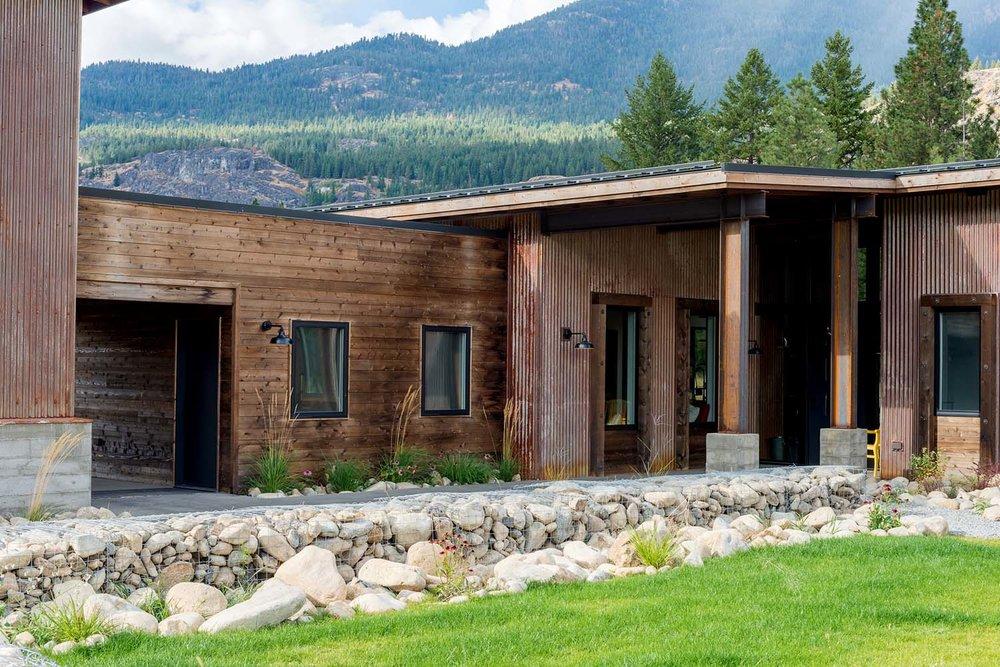 WEB007+-+Mazama+House+-+Designs+Northwest+Architects+-+Swift+Studio+-+2048px (1).jpg