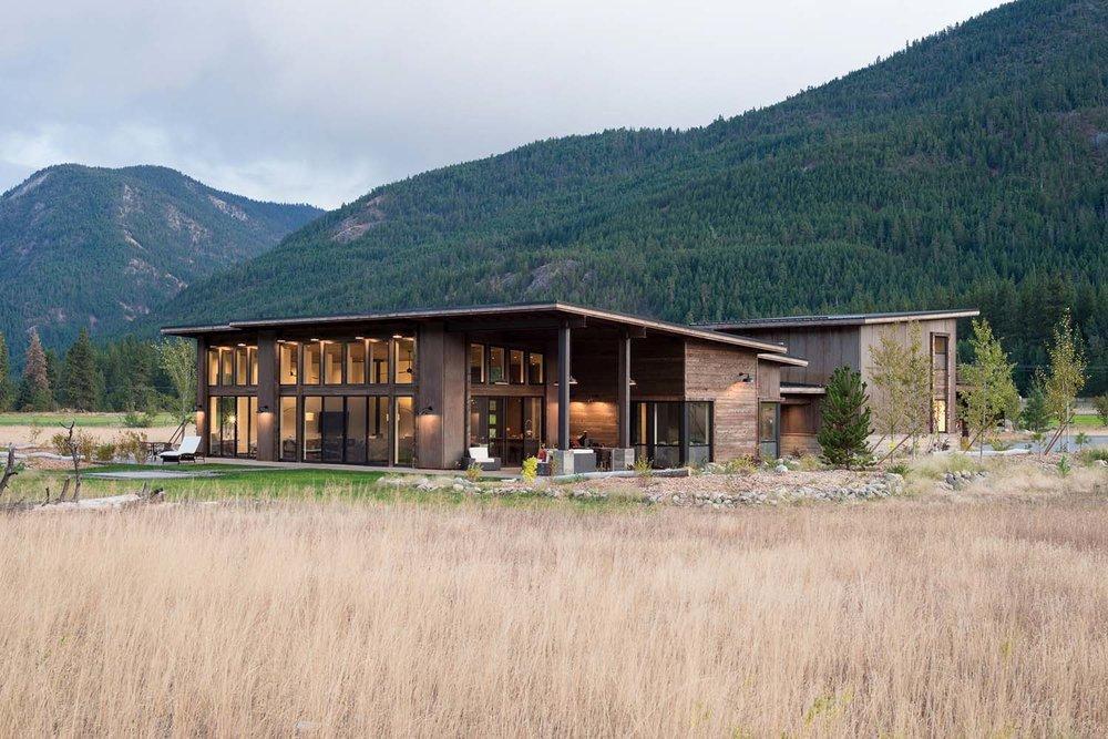 WEB115+-+Mazama+House+-+Designs+Northwest+Architects+-+Swift+Studio+-+2048px.jpg