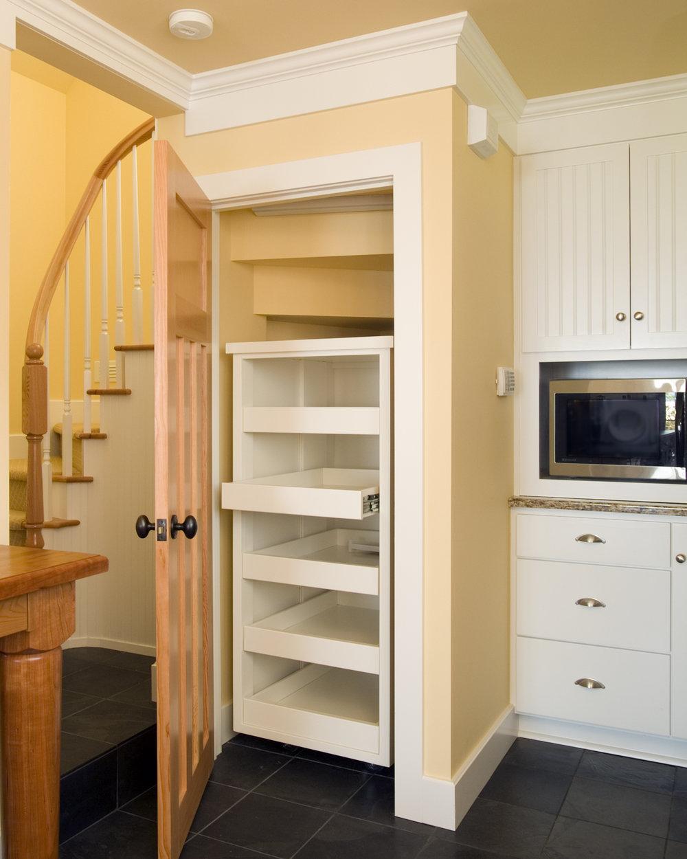 4pantry door open.jpg