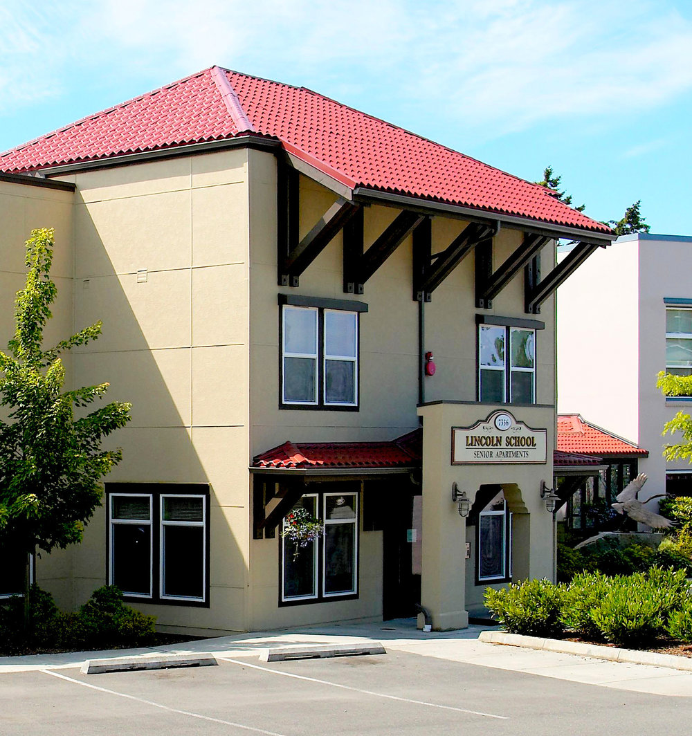 LINCOLN SCHOOL APARTMENTS | Stanwood, WA