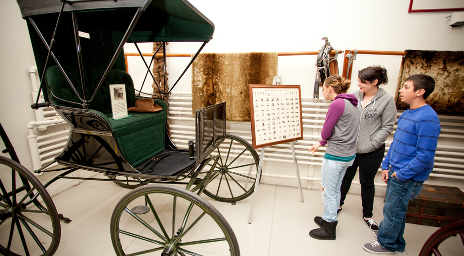 Visitors to Cairnwood Estate explore the Carriage House