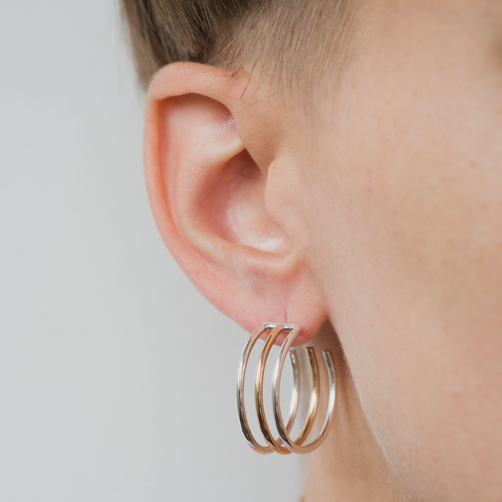 ONE SIX FIVE TRIPPLE HOOP EARRING