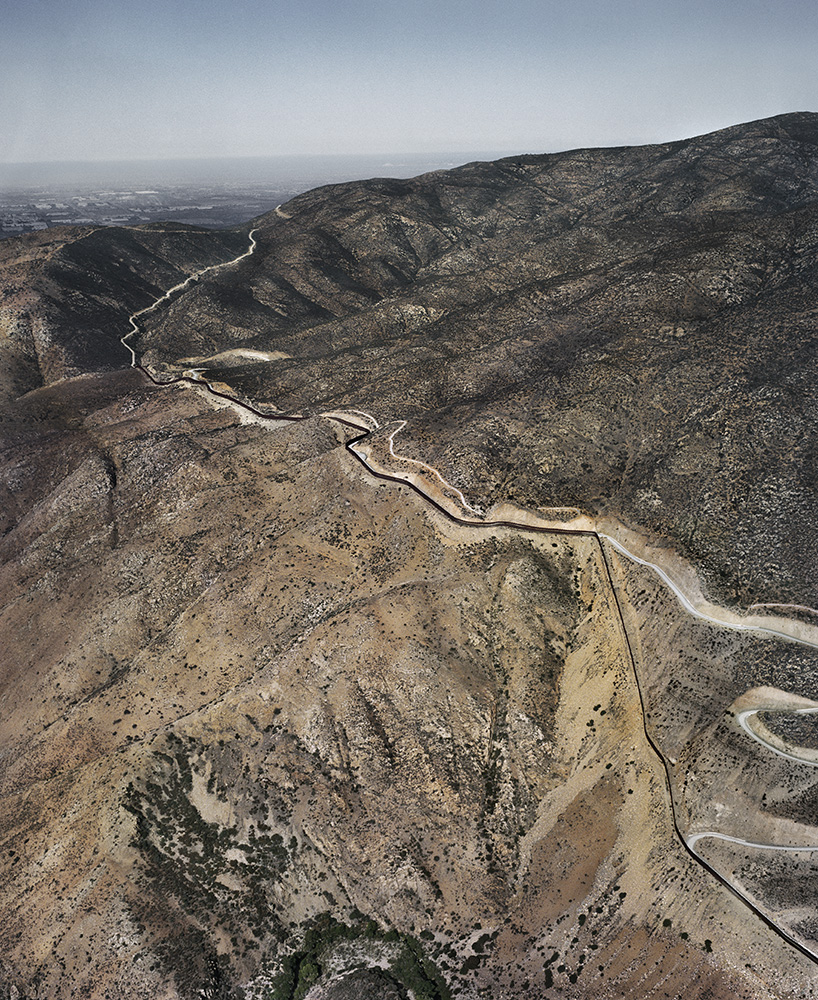 Pablo López Luz, Tijuana - San Diego County III, Frontera USA-Mexico, 2014