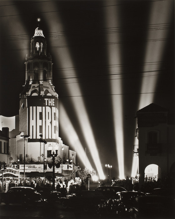 Max Yavno,  Premiere at Carthay Circle  1949. ©The estate of Max Yavno. Courtesy Peter Fetterman Gallery.