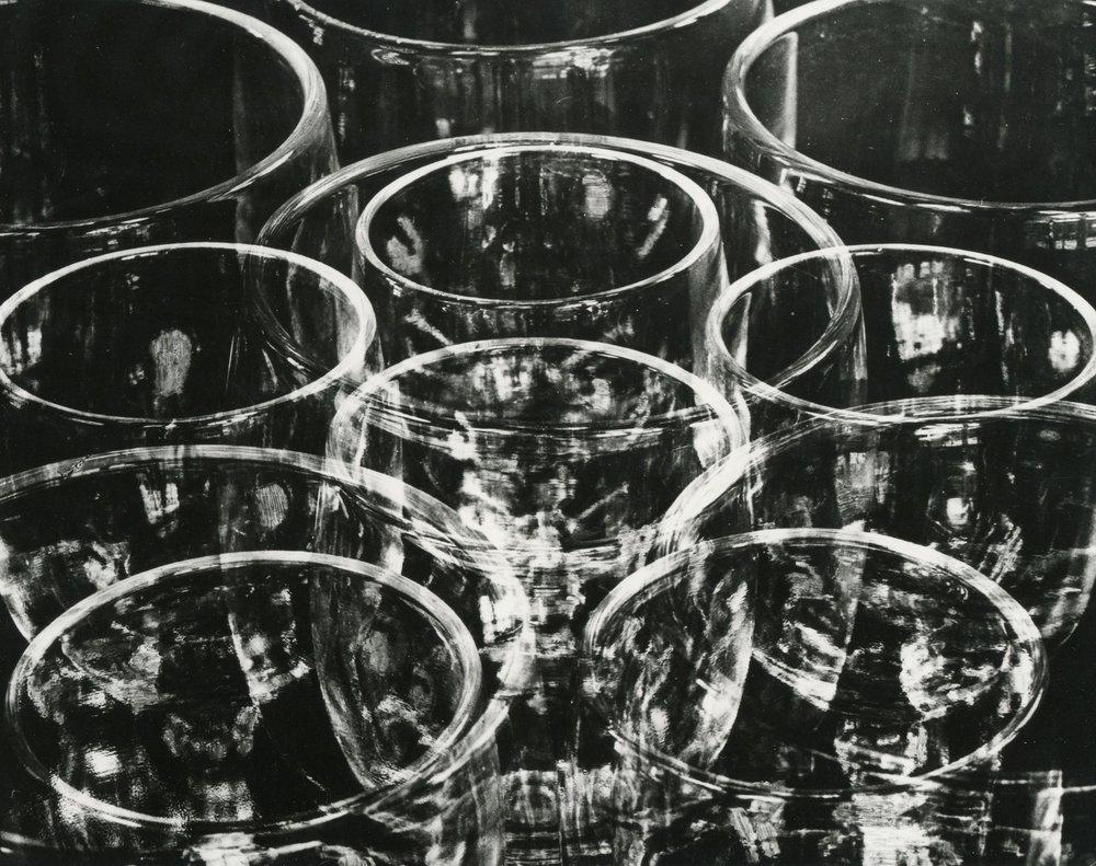 tina modotti,  vasos , 1924