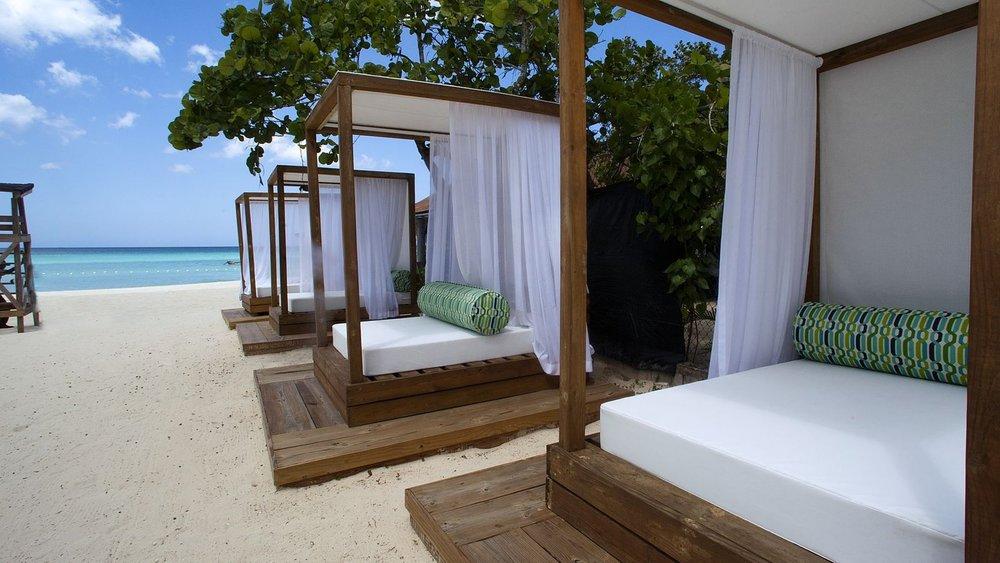 Hotel-Beach_Cabana_1600x900_S.jpg