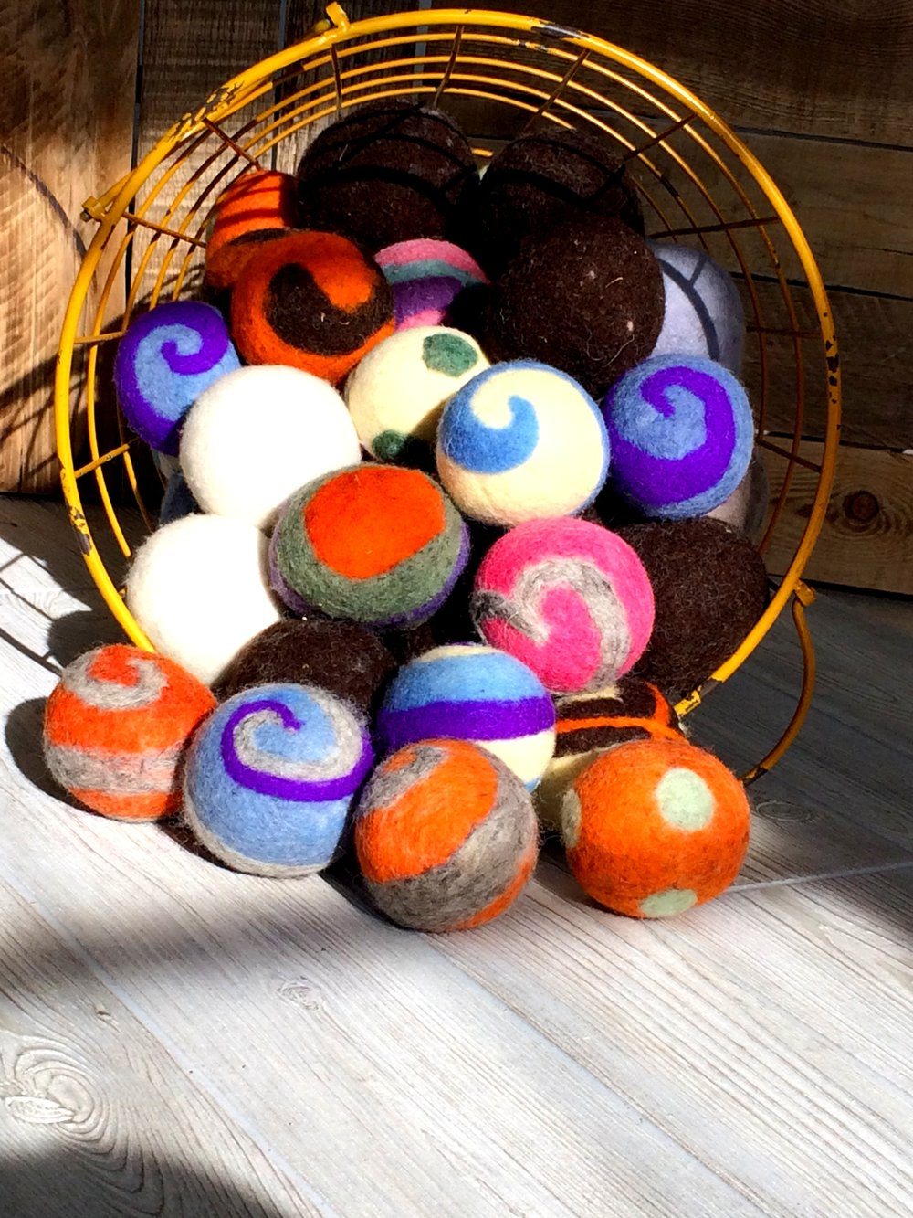 - What are DRYER BALLS?Dryer balls are a natural alternative to dryer sheets.They reduce static, wrinkles and drying time. Reusable up to 400 timesReady to take the next step?Ditch the dryer sheets!