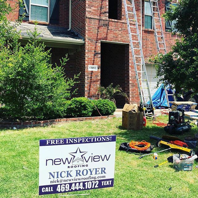 """Another happy customer makes for a great day 👏🏻. Thank you to our crew for knocking out this Roof in 1 day in this crazy heat 🔥"" Photo credit @nickroyer1723 #turrettuesday #turrets #metalwork #standingseam #standingseammetalroof #twintower #castles #roofing #roofinglife #roofs #contractorsofinsta #houseexteriors #dfwrealestate #dfwhomes #frisco #friscotx #homeimprovements #curbappeal #luxuryhouse #roofersofinstagram #instadfw #dfwmetroplex #newview #newviewlife #exreriordesign #exteriorarchitecture #rooflines #stormrestoration"