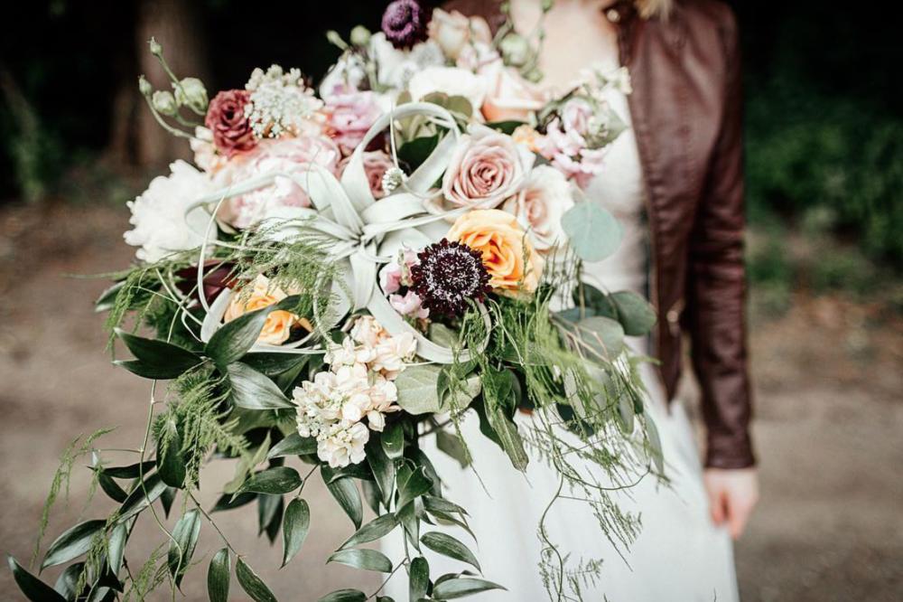 good earth kc weddings reviews heart and soul kc florist kc flowers kc floral design best kc florist creative kc florist unique kc wedding flowers