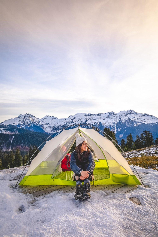 Winter Hike to Elfin Lakes -