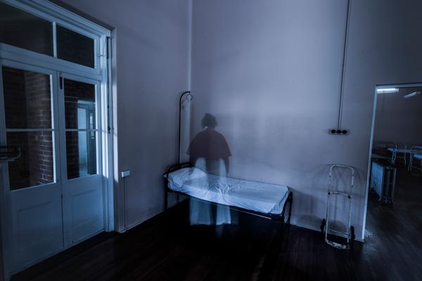 ghosttour2.jpg