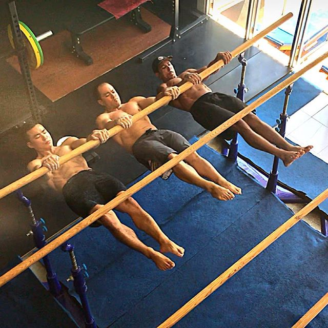 🏋🏽‍♂️ Do you move your body? As a coach, the quality and atmosphere of a gym is key for me, my classes and personal 1-1 clients. ... Had the pleasure of training, socialising, using recovery aids and eating excellent low carb food @nirvanastrength , definitely Balis finest movement gym. ... From Pro Snowboarders such as @aimee_fuller and Owners/trainers weightlifting @jonsontan , diverse bodyweight/strength conditioning @ianmac5595 and @danjeongconditioning , you can train insane 🔥💯 ... Loved the friendly community open jam setting, with excellent facilities, diverse equipment, ice bath/hot tub, sauna and much more to food and health care. ... ☯️Thanks for taking me and the rest of the group in like family ❣️ during our stay in @explorebali @balilife @balidaily @balilocal  ________________________________________ Retreats here in the near future for 💯%