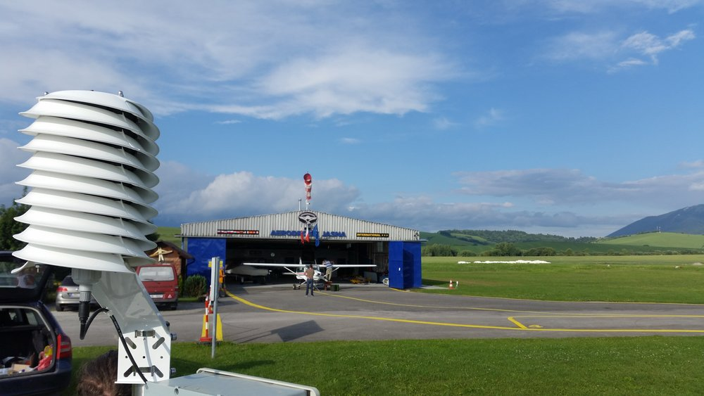 AUTO-METAR installation at airport Jasna featuring the helical MeteoShield Pro