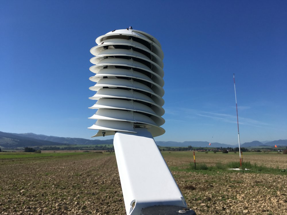 IoT weather station for professional quality meteorological measurement IN AGRICULTURE.
