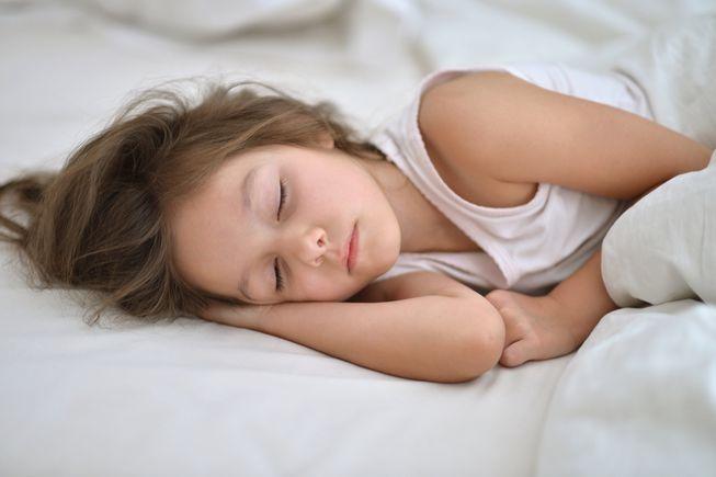kid-sleep-bed.jpg.653x0_q80_crop-smart.jpg