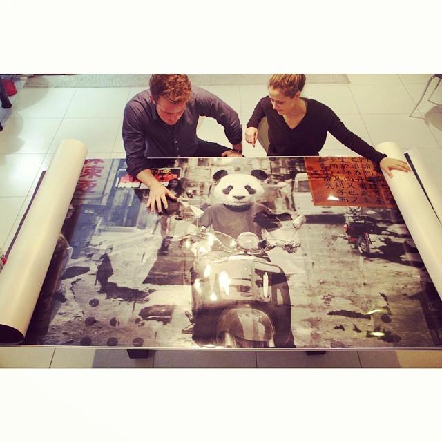 En el Estudio 2 de 10 impresiones en gran formato 250x200cm. Proyecto JuAna con la intervención de @anasadaz  www.JuanJavierIbarra.com  (en Grupo Mann)