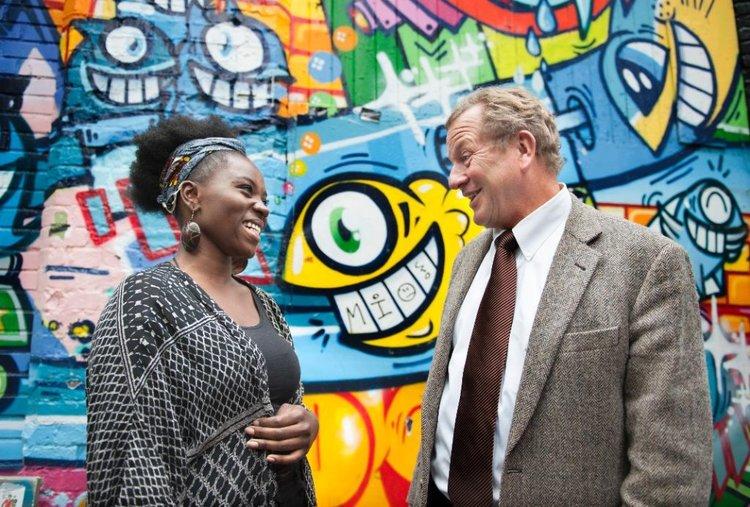 TekstLab Unge Stemmer: Jeaninne Masika Lukusa med styreleder i Talent Norge, John G. Bernander.Foto: Lars O. Flydal / Vårt Land