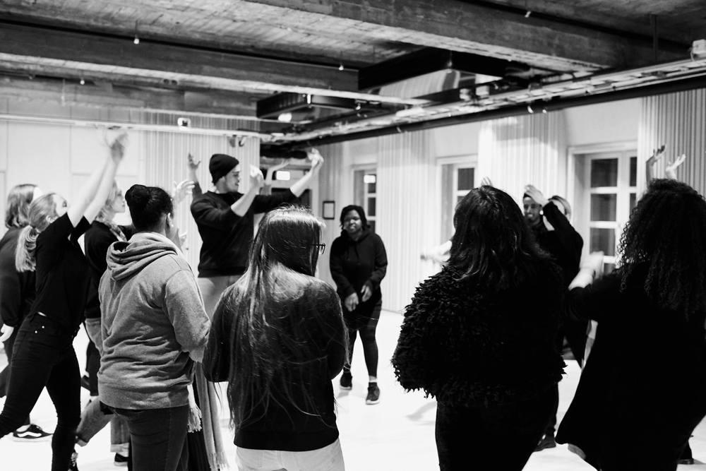 Workshops, seminar og arbeidsdemontrasjon for barn, ungdom og scenekunstnere