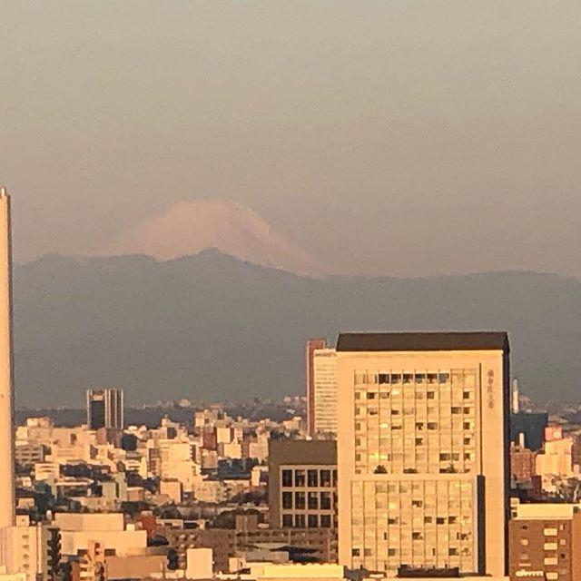 Good morning Mt Fuji. Good morning Tokyo. Let's have a great day! - - #tokyo -