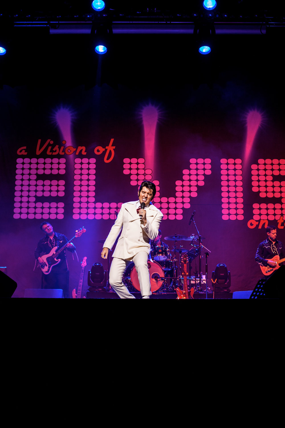 1 Elvis White suit.jpg