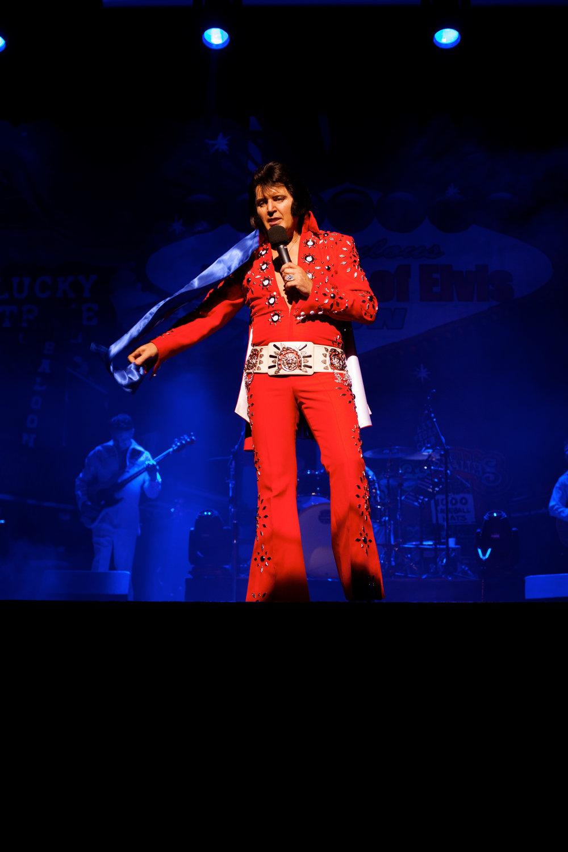 4 Elvis.jpg