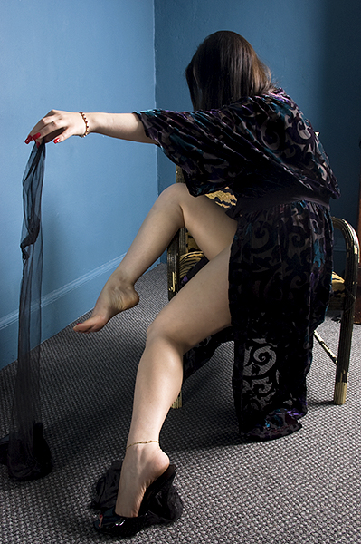 Nylons_come_off!_2.jpg