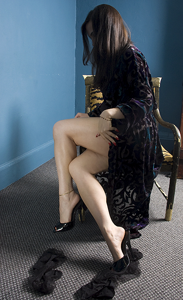 Bare_legs.jpg