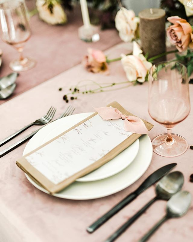 Happy Thanksgiving! So much to be thankful for this year ✨ . . . . . Venue: @thewhitesparrow Hosted by: @charlastorey  Design/Styling: @chicandprettyevents  Florals: @wedfullyyours  HAMU: @tracymeltonartistry  Rentals: @bellaacento  Dress: @carolhannahbridal  Cake: @xo_cakery  Stationery: @emilymaynestudio