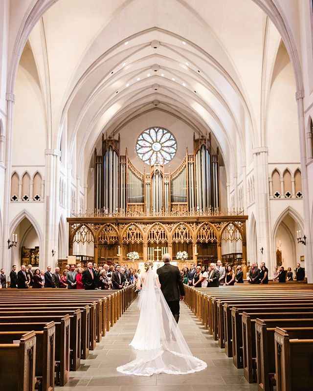 As photographers we sometimes get a little nervous about indoor church ceremonies. The lighting isn't ideal and you're usually restricted to the back of the church or balcony. And then you get to photograph a ceremony like this and suddenly church weddings are your new favorite thing 😍
