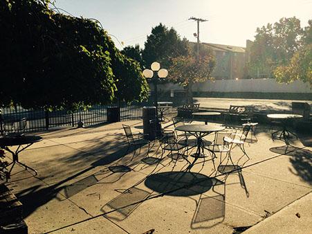 patio seating area451x339.jpg