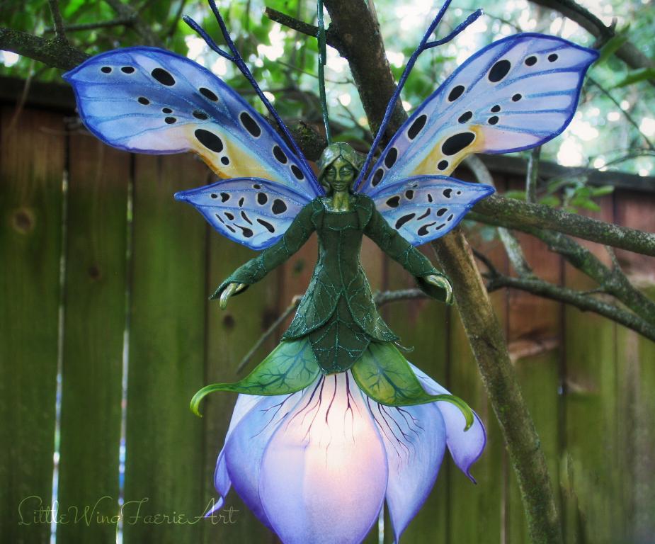 blue lily fae7.JPG