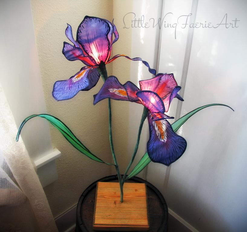 wild iris lamp1.JPG