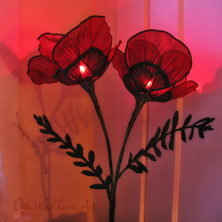 red poppy lamp3.JPG