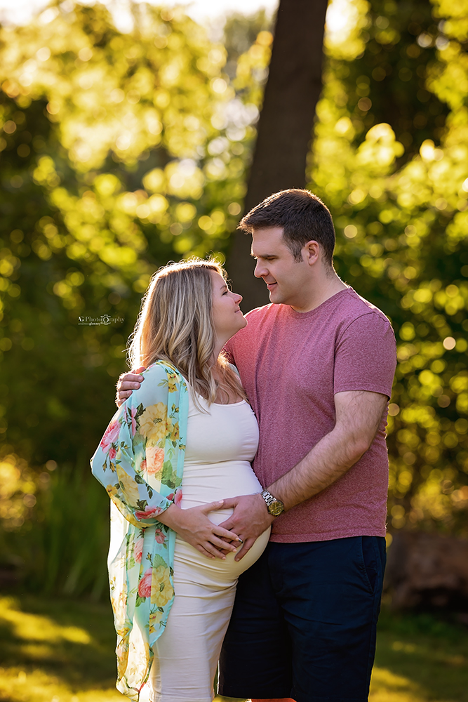 couple-outdoor-photoshoot-best-maternity-photographer-Bergen-County-NJ.jpg