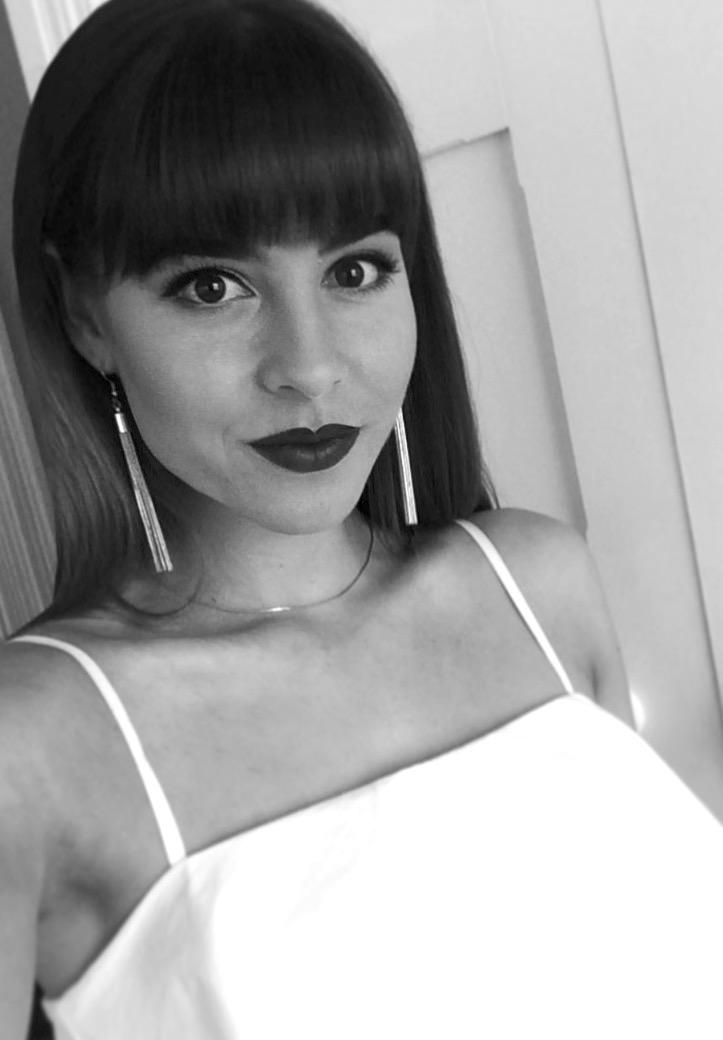 MelissaSilkstone_Profile Pic.jpg