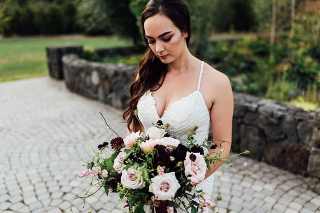 Ridiculously beautiful bride Krystel from this weekend's wedding. Carrying one of my favourite bouquets ever 😍 .. . #wedding #weddingphotographer #nzweddings #nzphotographer #ido #shesaidyes #engaged #weddingday #bride #bouquet