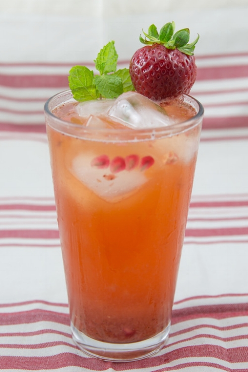 Strawberry Kombucha Mocktail.jpg