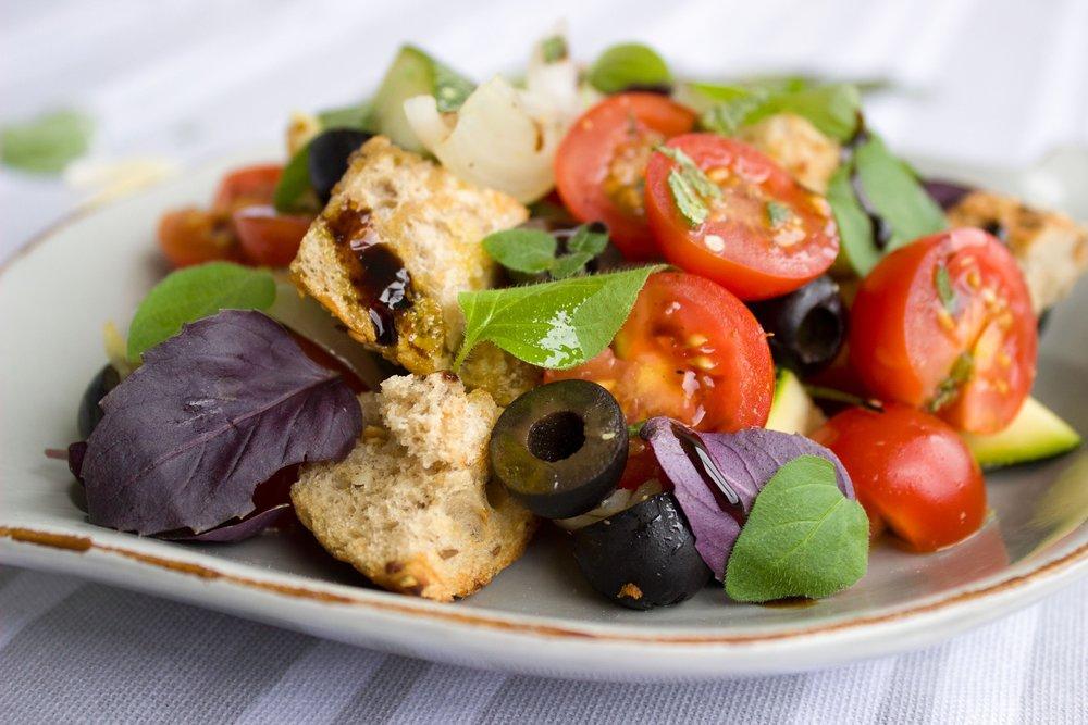 tomatoes-1804452_1920.jpg