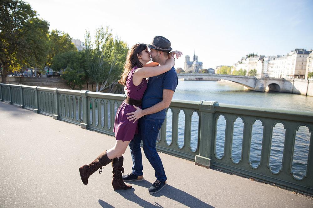 Ines-Aramburo-couple-photo-engagement-savethedate-paris-session-7687.jpg