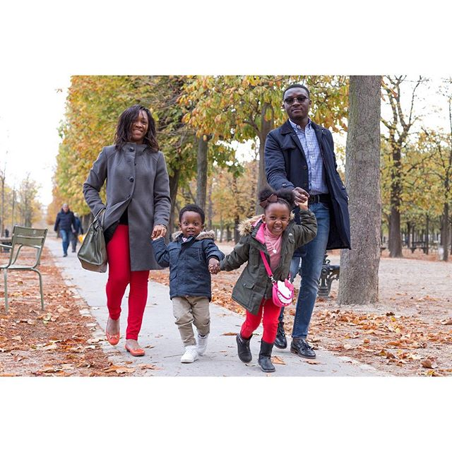 Les belles promenades d'automne au Jardin du Luxembourg 🍁 Autumn family walks in Paris ✨ . . . #parisphotographer #photosessionparis #instaphoto #photooftheday #potd #parisphotography #photographeparis #parisphotosession #inesaramburo #sessionphoto #parisphoto  #paris #todaysbeauty #seancephoto #seancephotoparis #parisportrait  #cartecadeau #seancephotofamille #familygoals #fatheranddaughter #freresetsoeurs