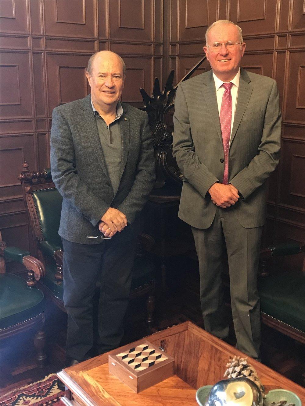 El rector de la UASLP Manuel Fermín Villar Rubio y el director general de la AEM Javier Mendieta Jiménez..jpg