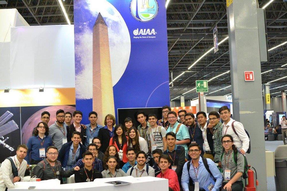 Club AIAA con Sandra Magnus (astronauta y presidenta de AIAA)