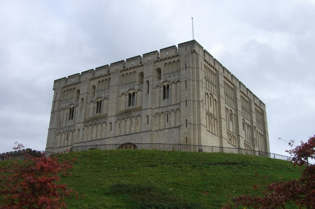 Norwich castle is a 20 minute drive away. Norwich also has many shops, restaurants and lots of things to see.