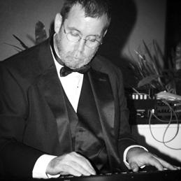 Pianist Joe McWilliams